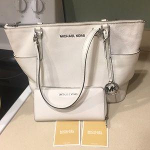 Winter White Michael Kors Shoulder Bag & Wallet